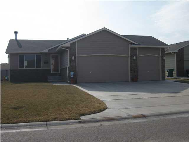 1027 N AKSARBEN CT, Wichita, KS 67235