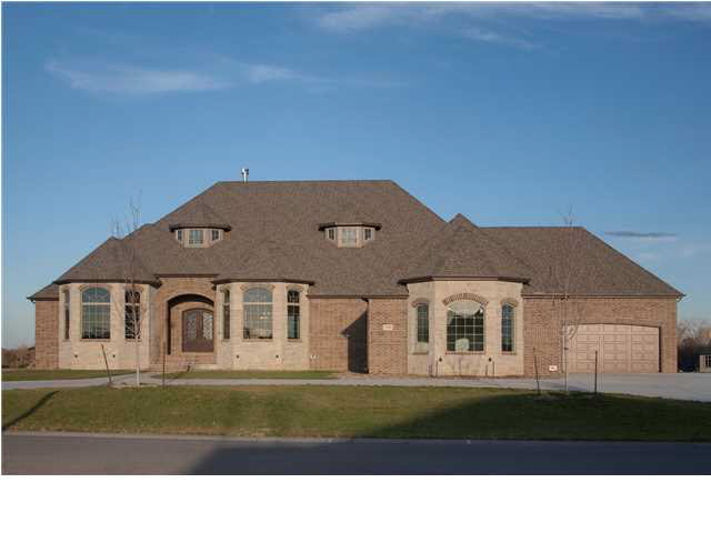 2104 S CELTIC, Wichita, KS 67230