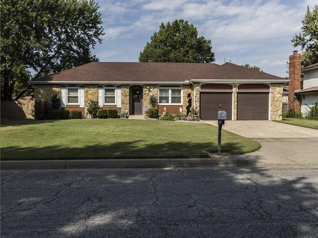 1133 N Hazelwood Ln, Wichita, KS 67212