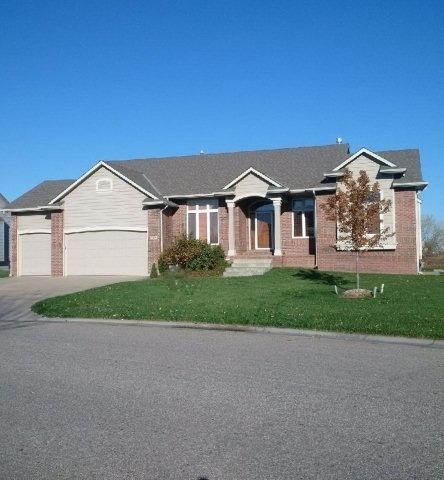 3826 N Lakecrest St, Wichita, KS 67205