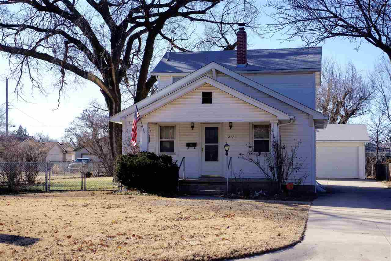 1217 S Fern St, Wichita, KS 67213