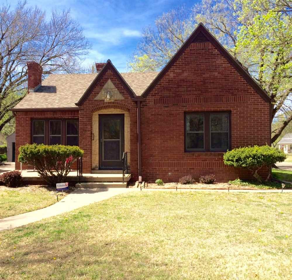 1541 N Woodrow Ave, Wichita, KS 67203