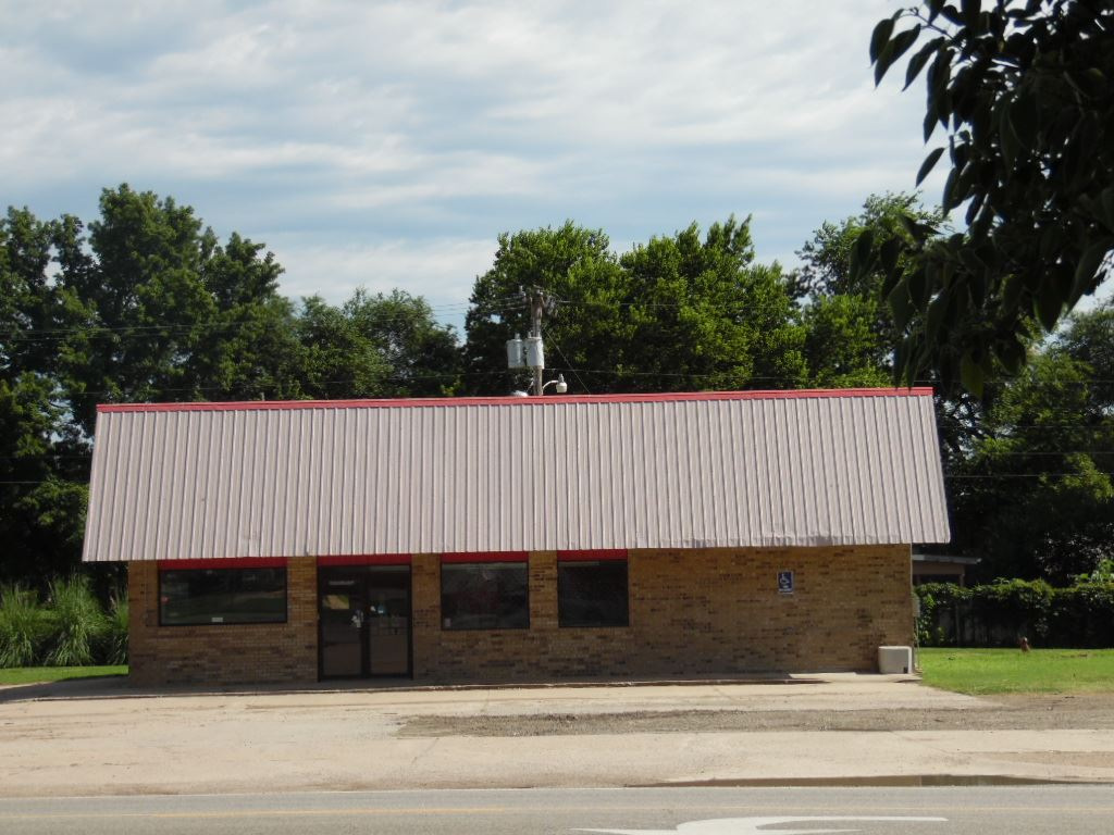 308 W Main St, Oxford, KS 67119
