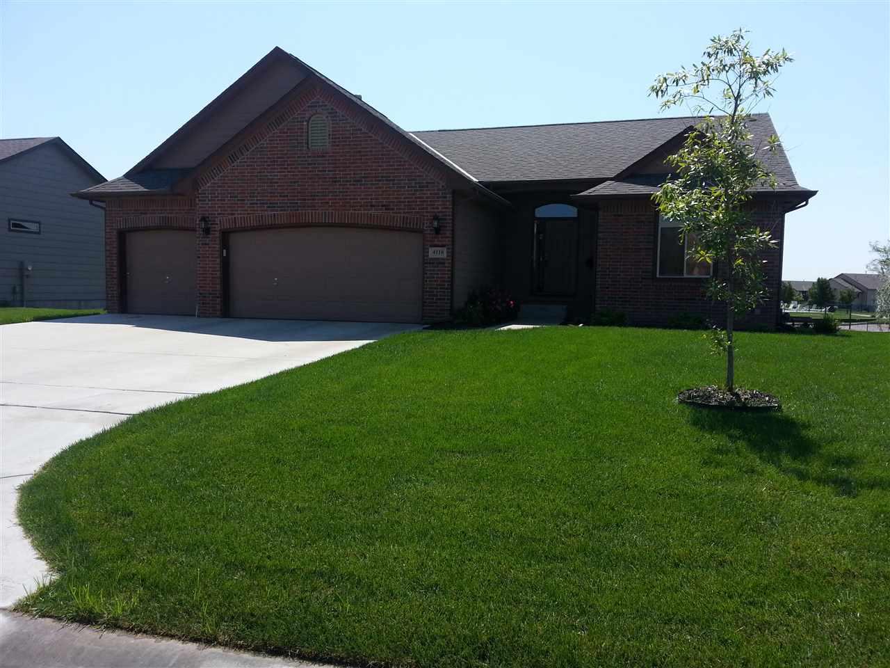 4118 N Lake Ridge Ct, Wichita, KS 67205