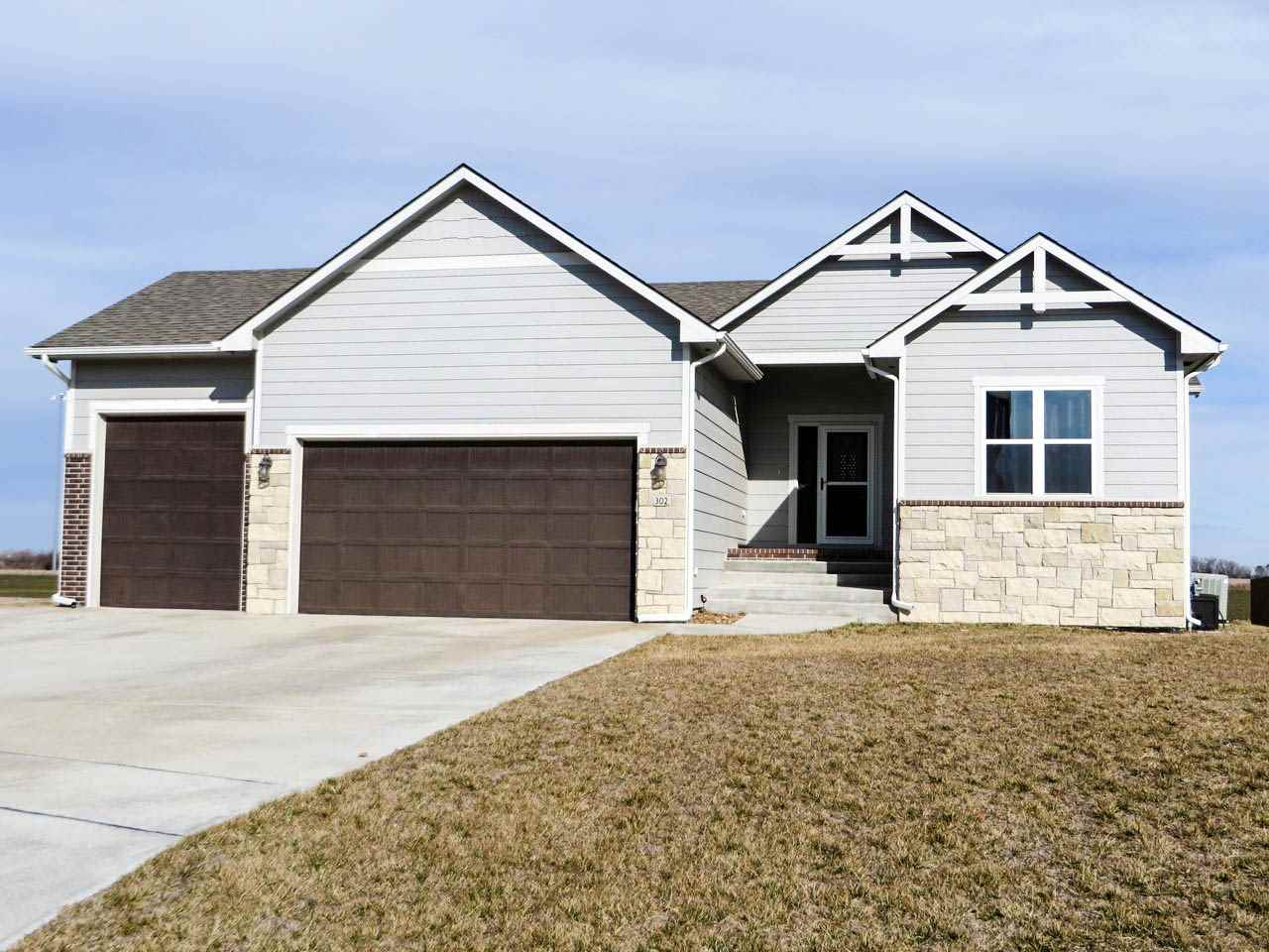302 W Lavern Ln, Garden Plain, KS 67050
