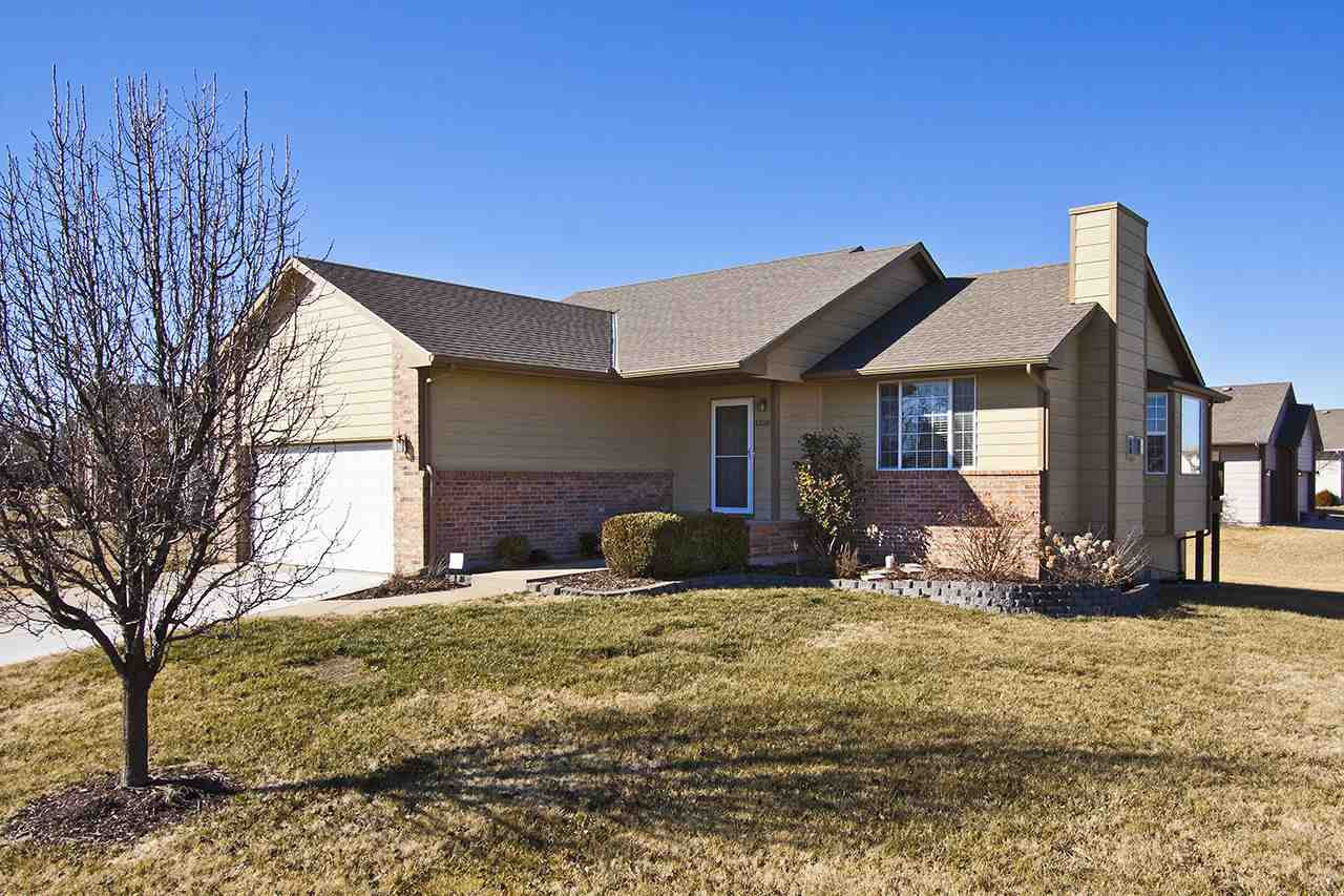 1310 W Quail Crossing Ct, Andover, KS 67002