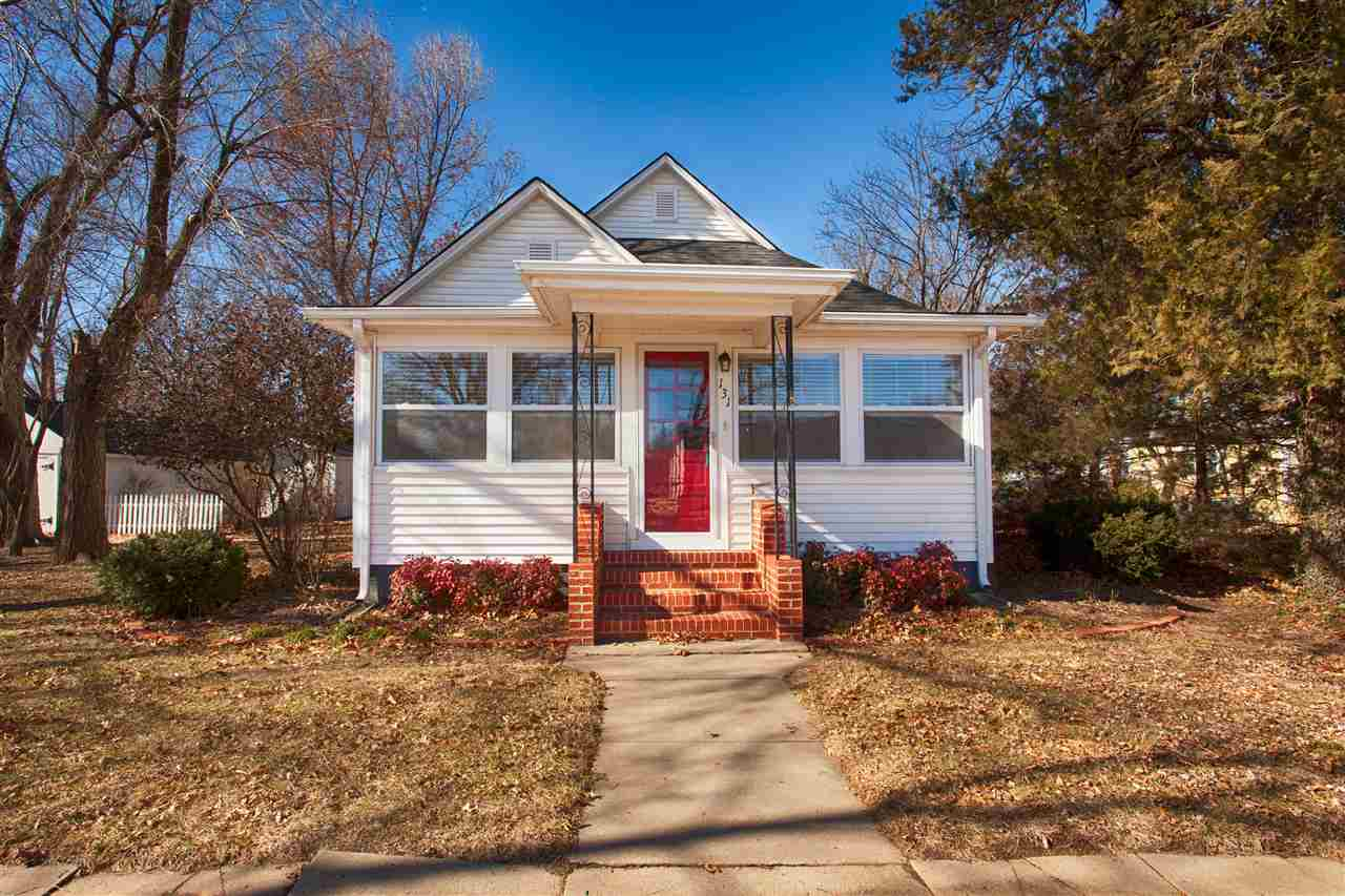 131 S Tracy Ave, Clearwater, KS 67026
