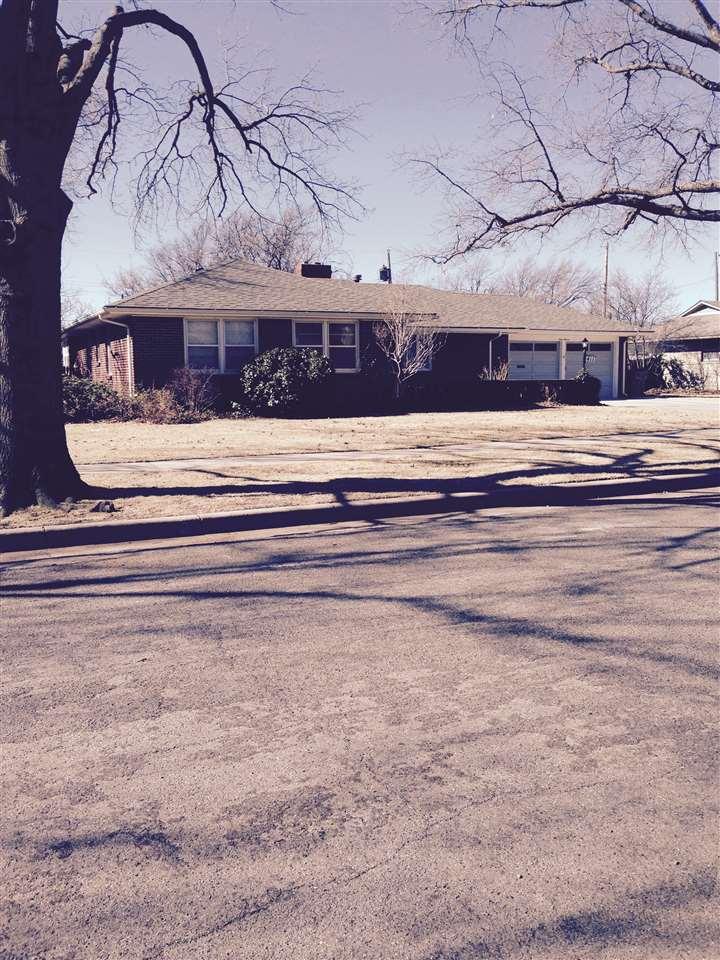 411 S Waverly, Wichita, KS 67218