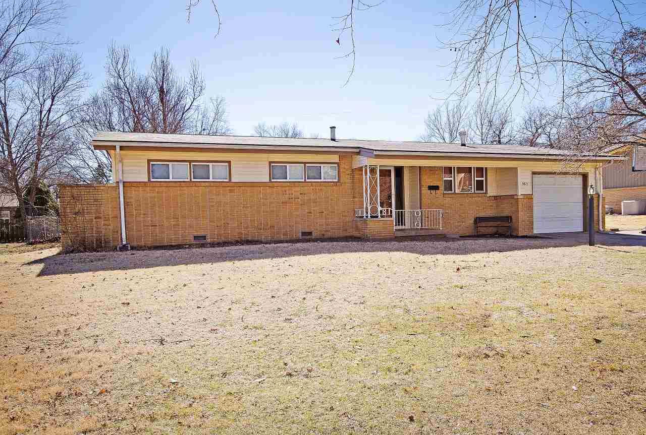 9815 W 9th St N, Wichita, KS 67212