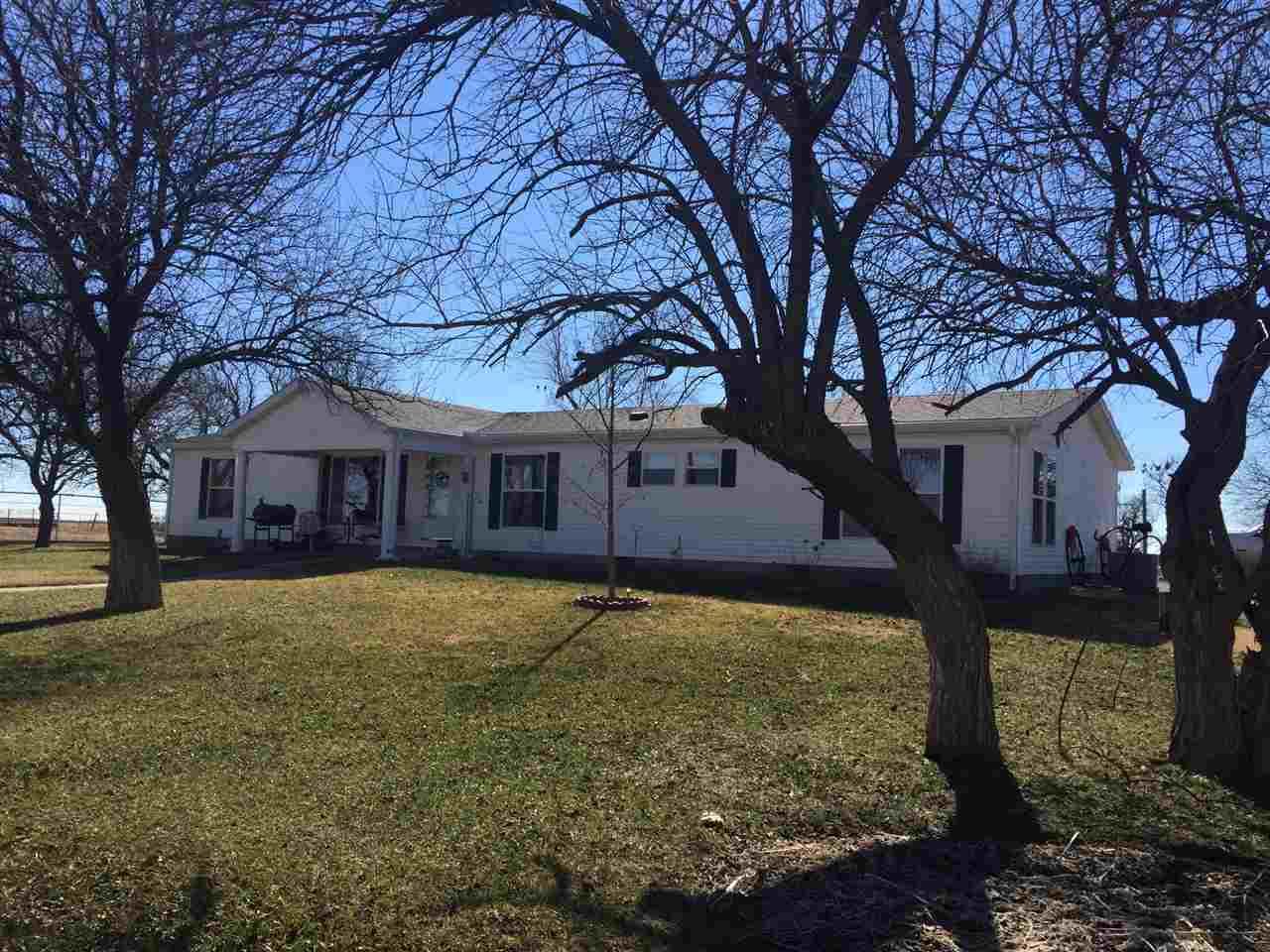 1258 N Drury Rd, Clearwater, KS 67026