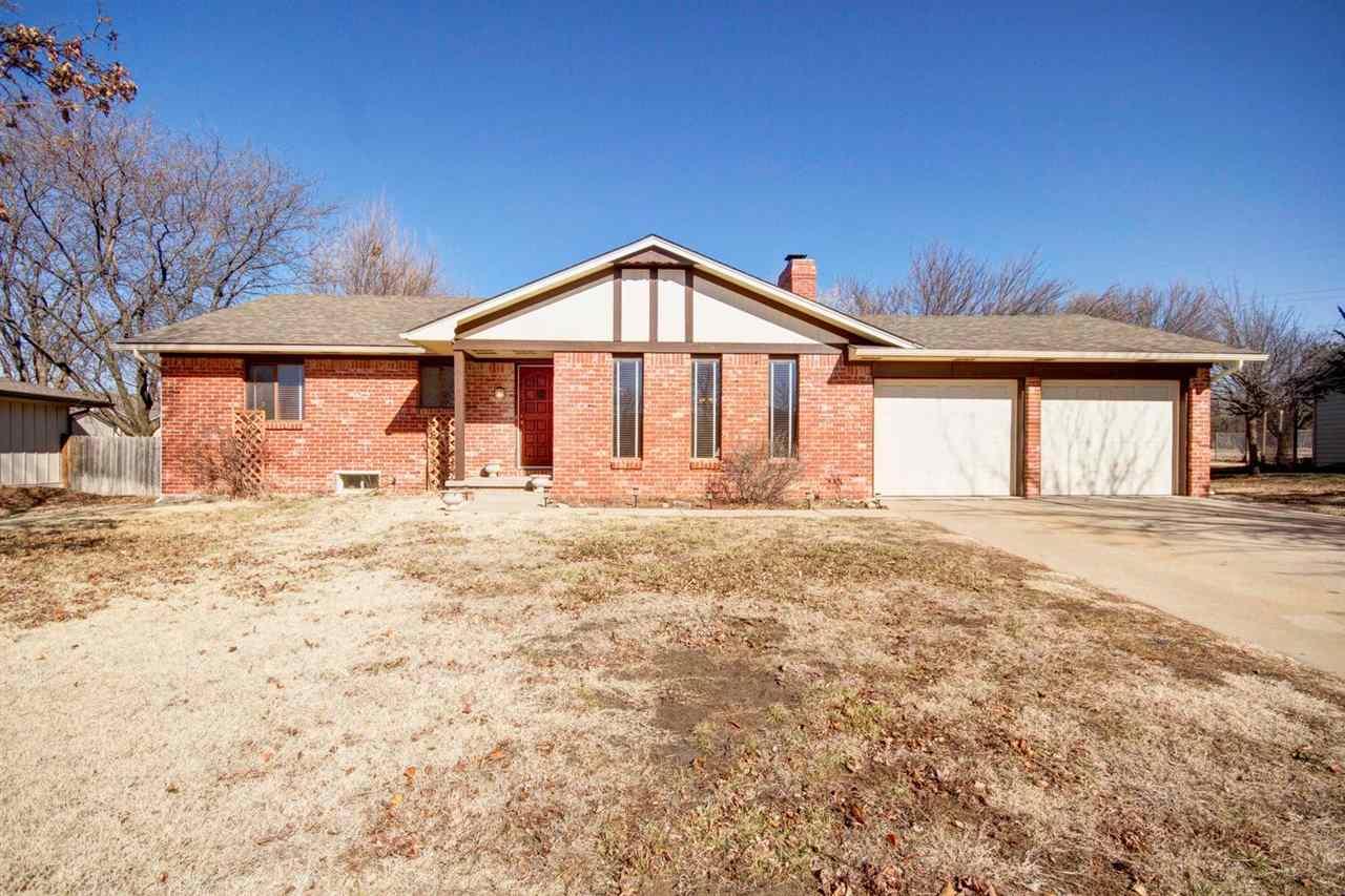 6914 E Rushwood Circle, Wichita, KS 67226