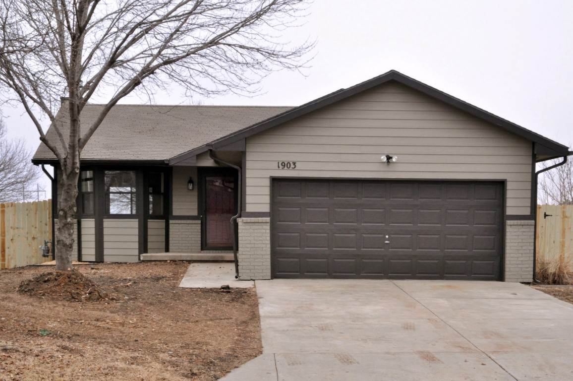 1903 N Duckcreek Ln, Derby, KS 67037