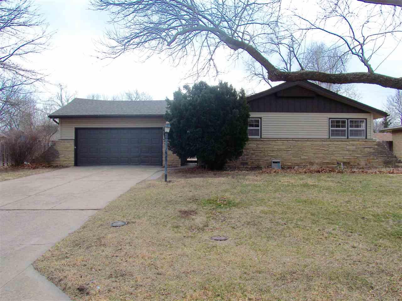 9623 W Tee Ln, Wichita, KS 67212