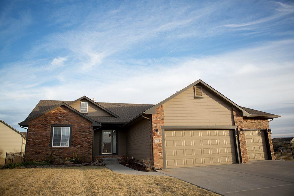 2402 N Castle Rock St, Wichita, KS 67228
