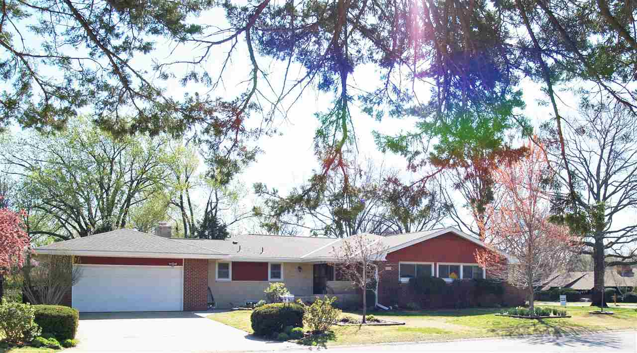340 N Westfield St, Wichita, KS 67212