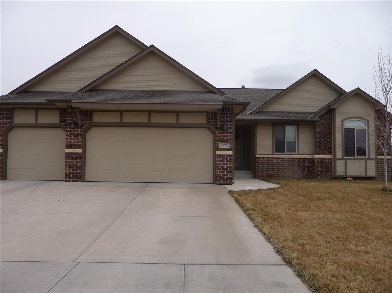 8525 W Candlewood Ct, Wichita, KS 67205