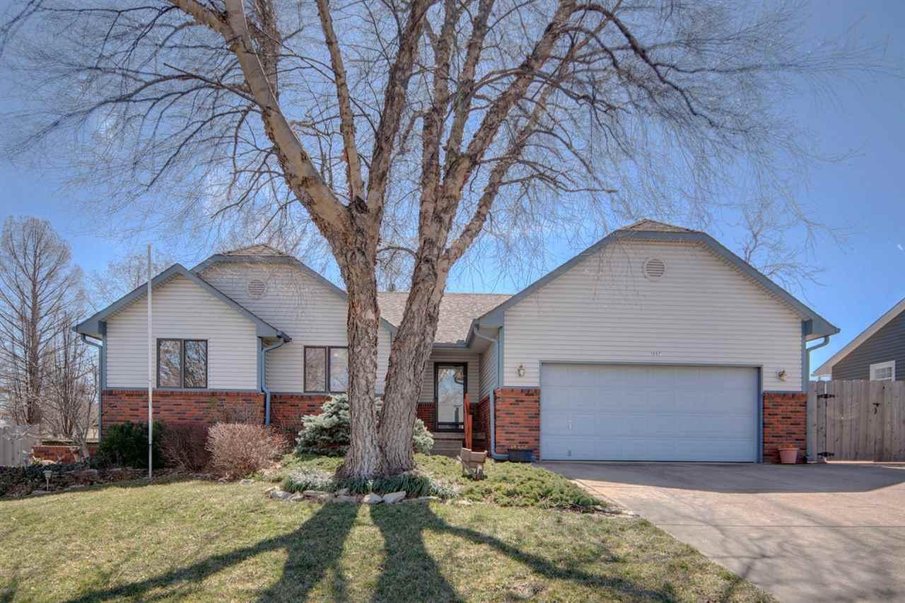 1507 W Willow Ln, Haysville, KS 67060