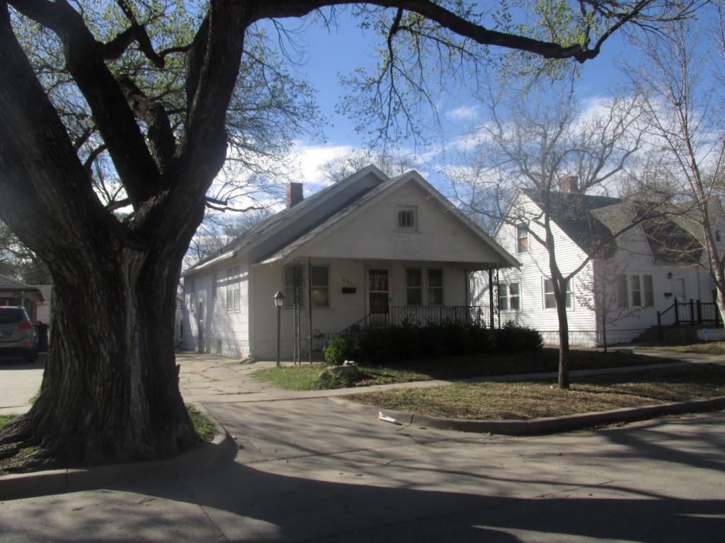 341 N Elizabeth St, Wichita, KS 67203