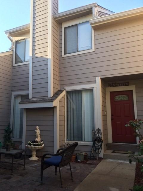 2243 N Bramblewood St, Wichita, KS 67226
