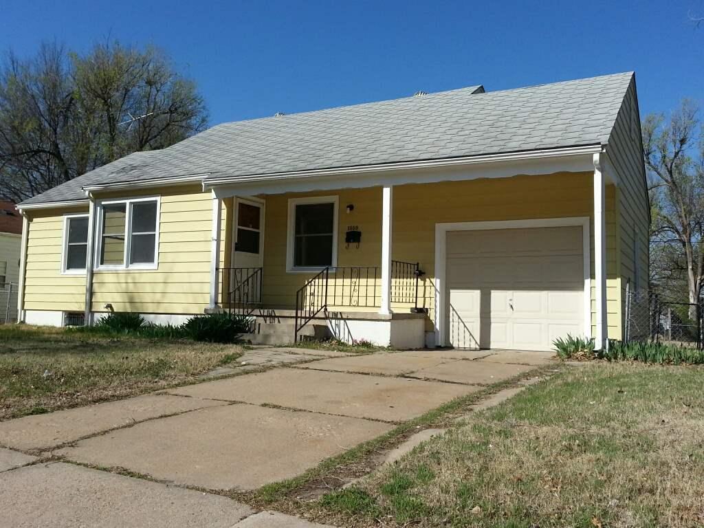 1559 N Old Manor Rd, Wichita, KS 67208