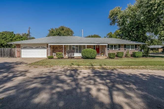 2335 S Spruce Ct, Wichita, KS 67211
