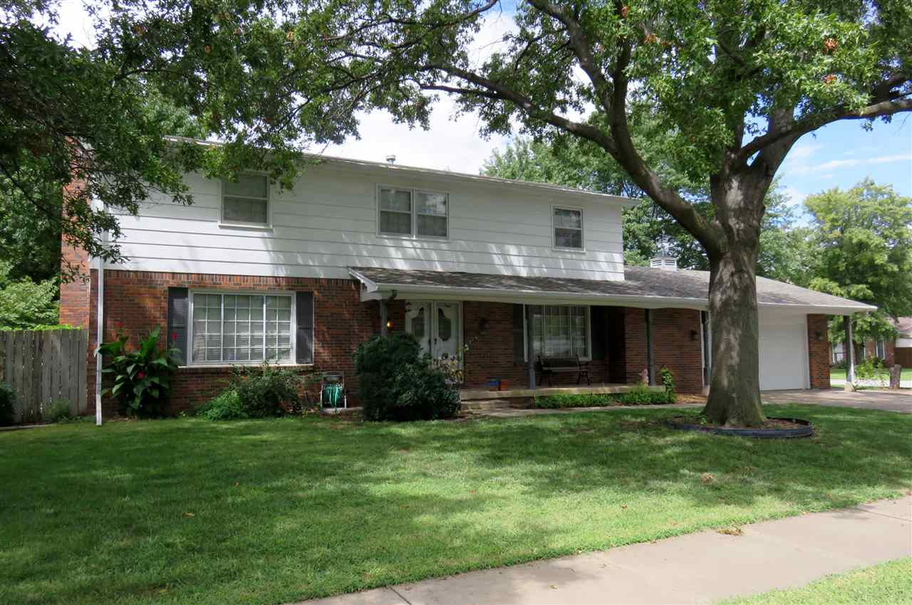 1425 N Westfield Ct, Wichita, KS 67212