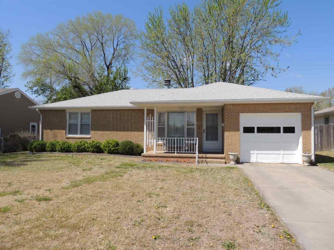 2255 S Dellrose Ave, Wichita, KS 67218