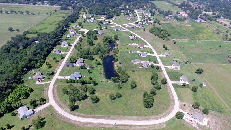 704 E Gordon Bennett Dr, Haysville, KS 67060