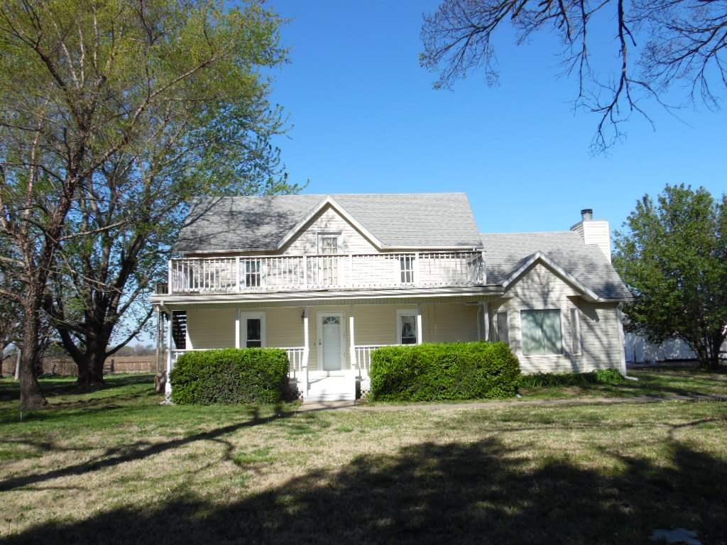 625 N Greenwich Rd, Belle Plaine, KS 67013