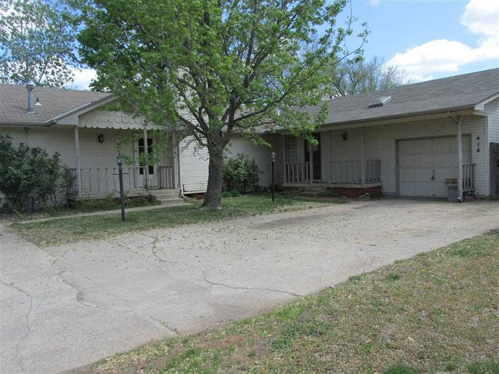 414 S Woodchuck St, Wichita, KS 67209