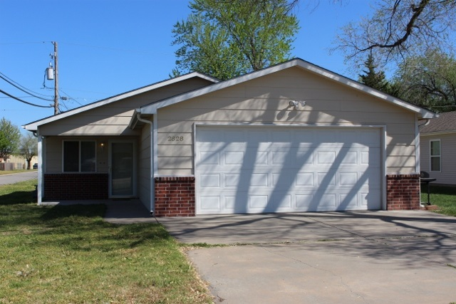 2828 W Savannah Ave, Wichita, KS 67217