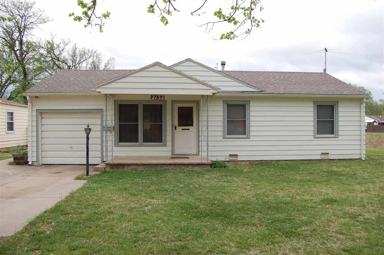 2132 S Edgemoor St, Wichita, KS 67218