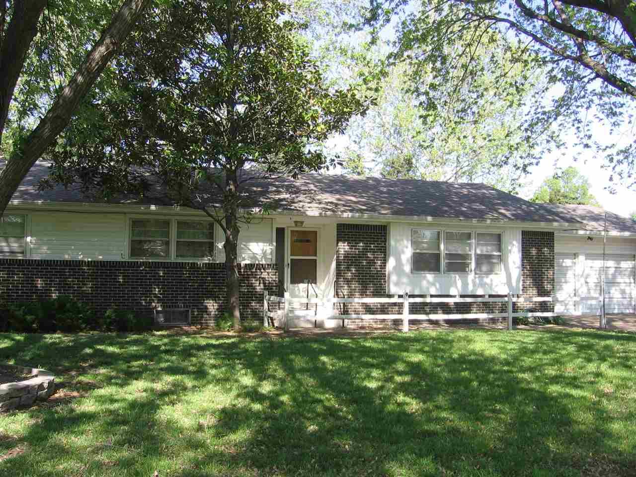 3959 N Clarence Ave, Wichita, KS 67204