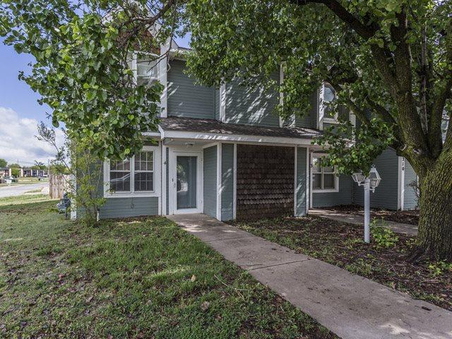 7210 W Douglas, Wichita, KS 67212