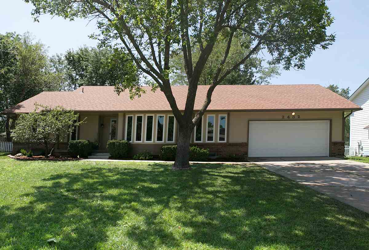 2432 N Rutland Ct, Wichita, KS 67226