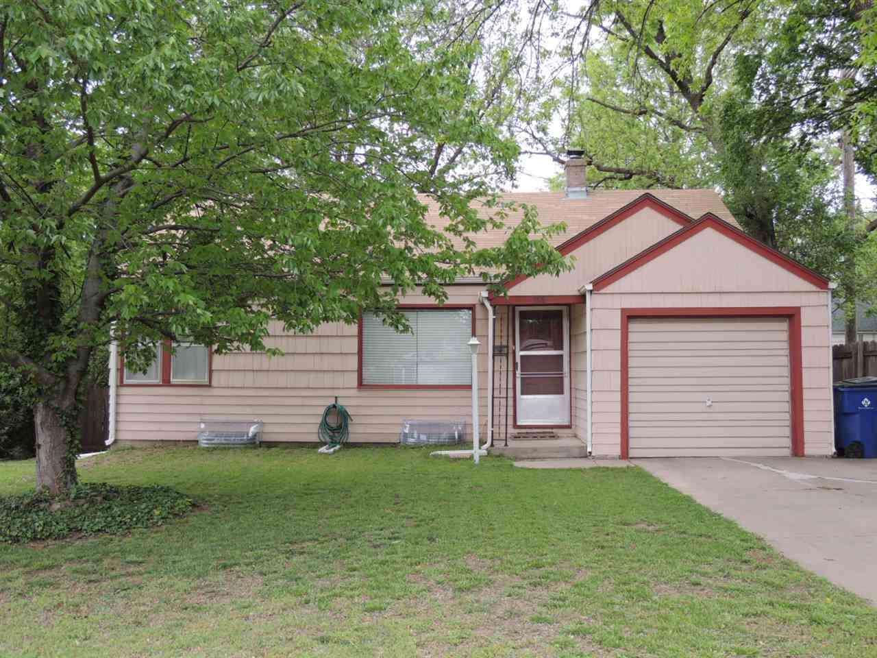 3318 E Penley Dr, Wichita, KS 67218
