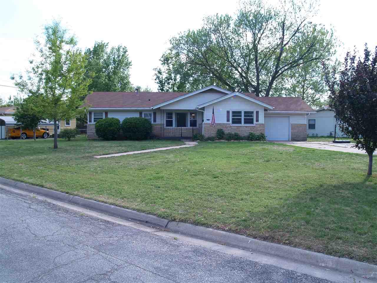 2119 E 51st St S, Wichita, KS 67216