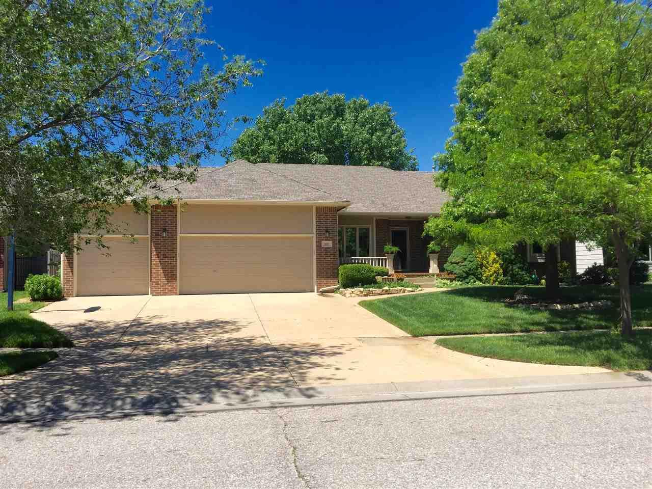 801 N Cedar Park Circle, Wichita, KS 67235