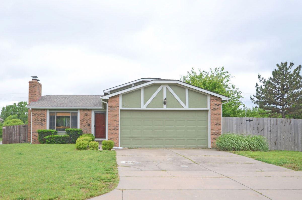 6855 E Winterberry Circle, Wichita, KS 67226