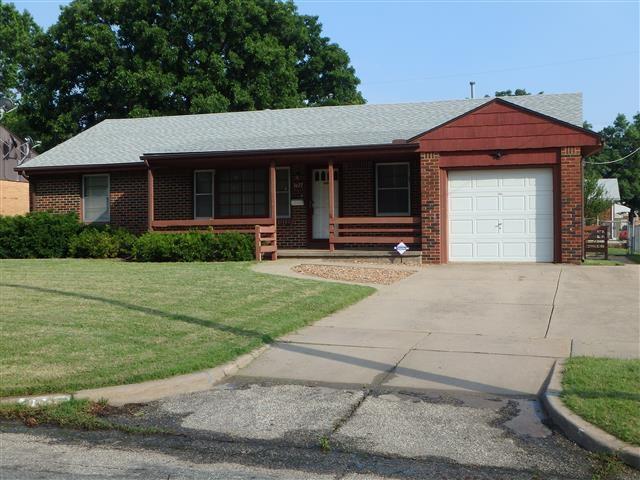 3627 E Skinner, Wichita, KS 67218