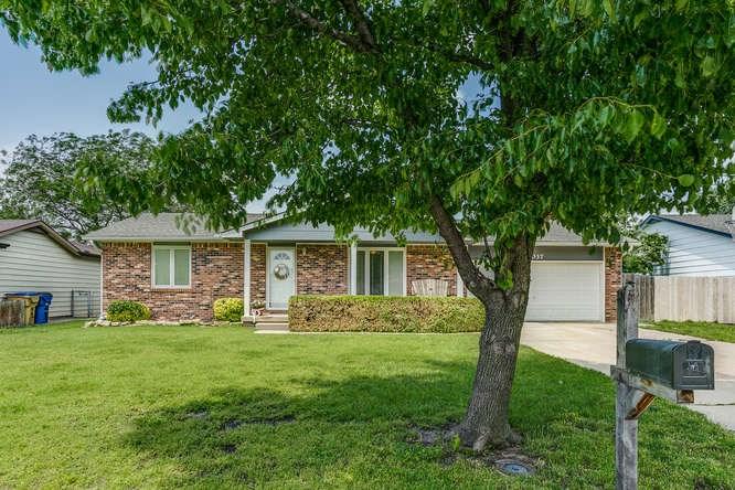 4037 N Friar Ln, Wichita, KS 67204