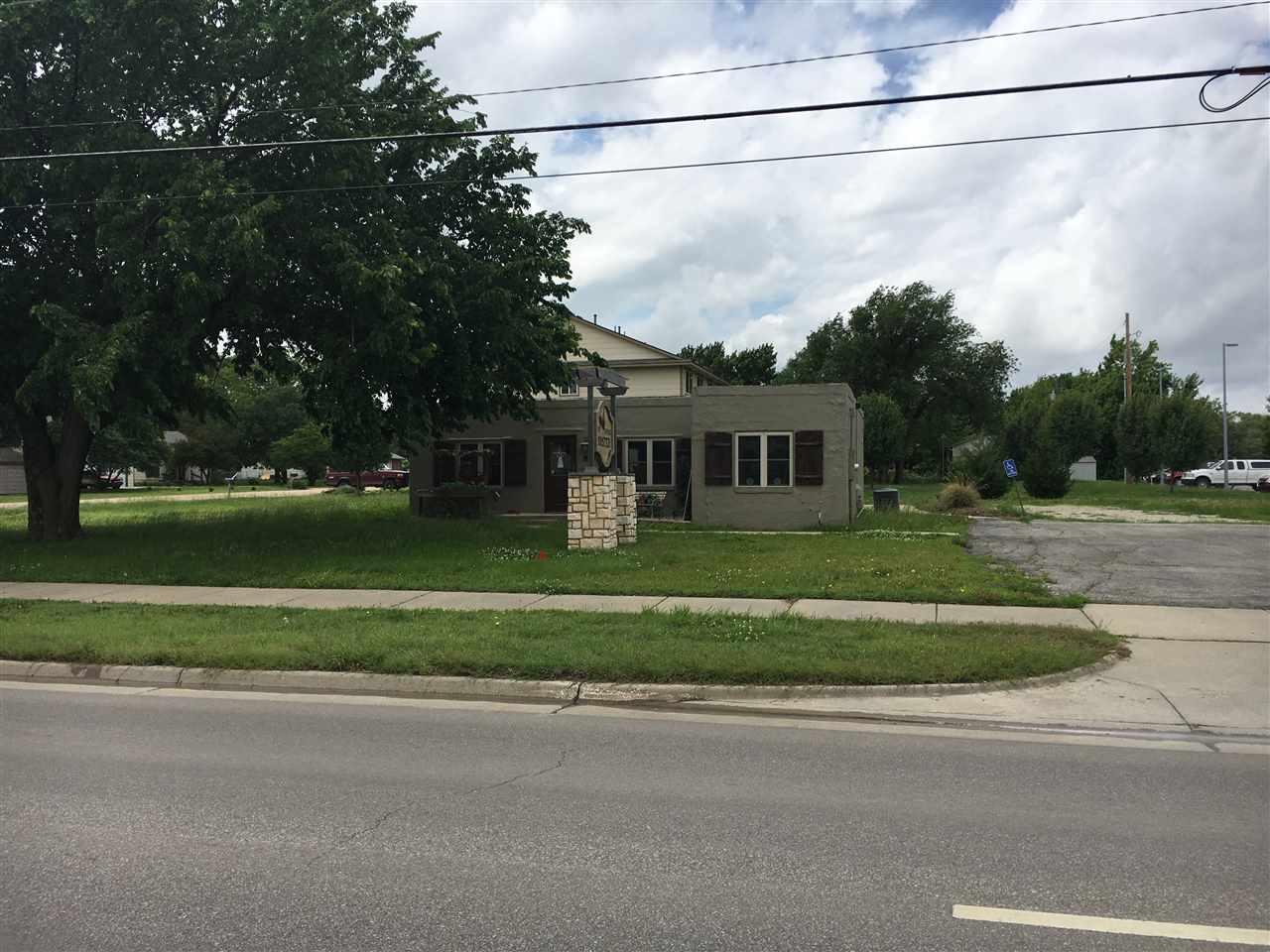 837 N Andover Road, Andover, KS 67002