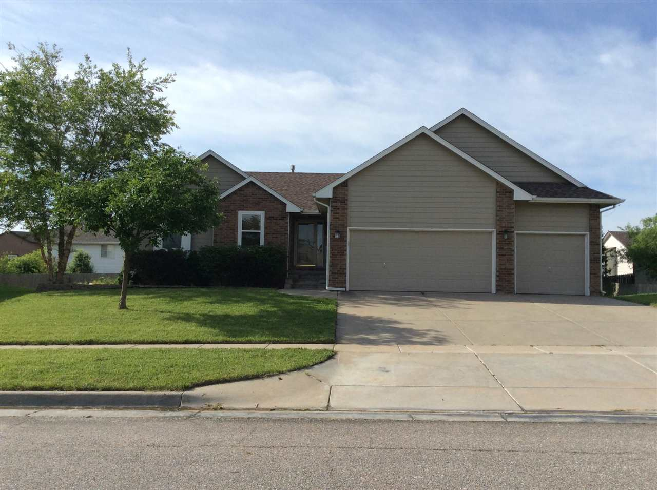 10511 E Mainsgate Rd, Wichita, KS 67226