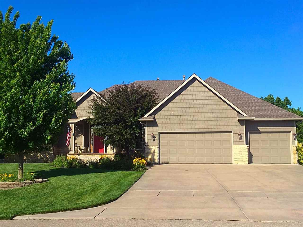 3206 N Willow Creek, Rose Hill, KS 67133