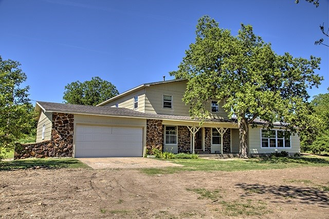 1525 Avenue E, Ellsworth, KS 67439