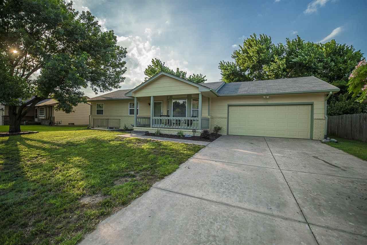 1308 E Dirck St, Haysville, KS 67060