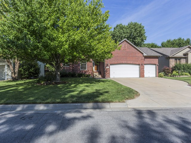 9533 W Brookridge Circle, Wichita, KS 67205