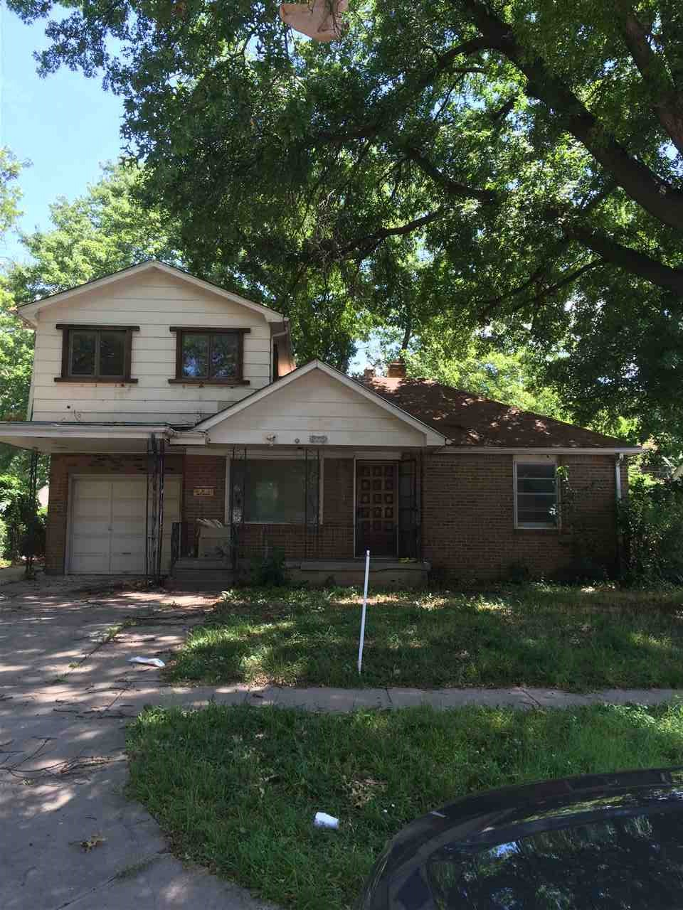 822 S Christine St, Wichita, KS 67218