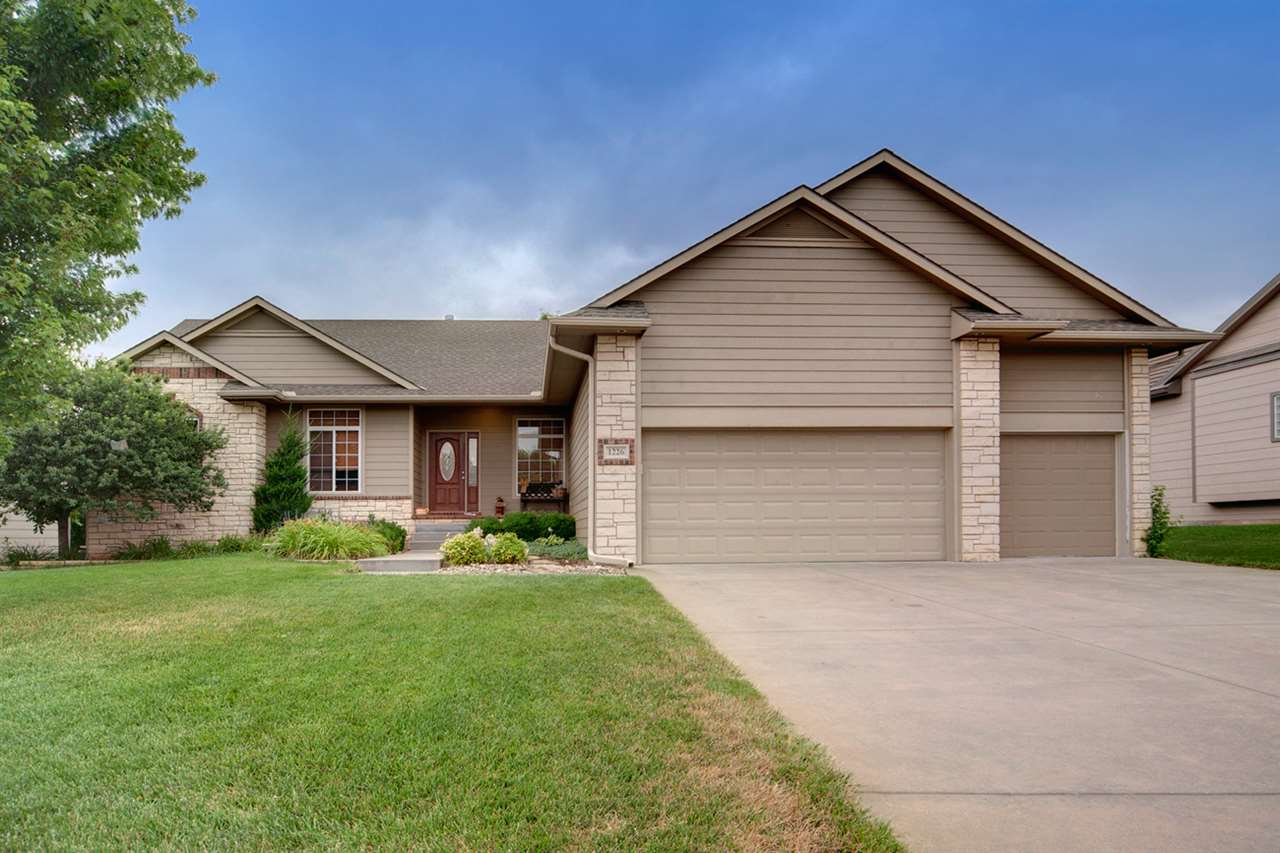 1226 S Arbor Meadows St, Derby, KS 67037