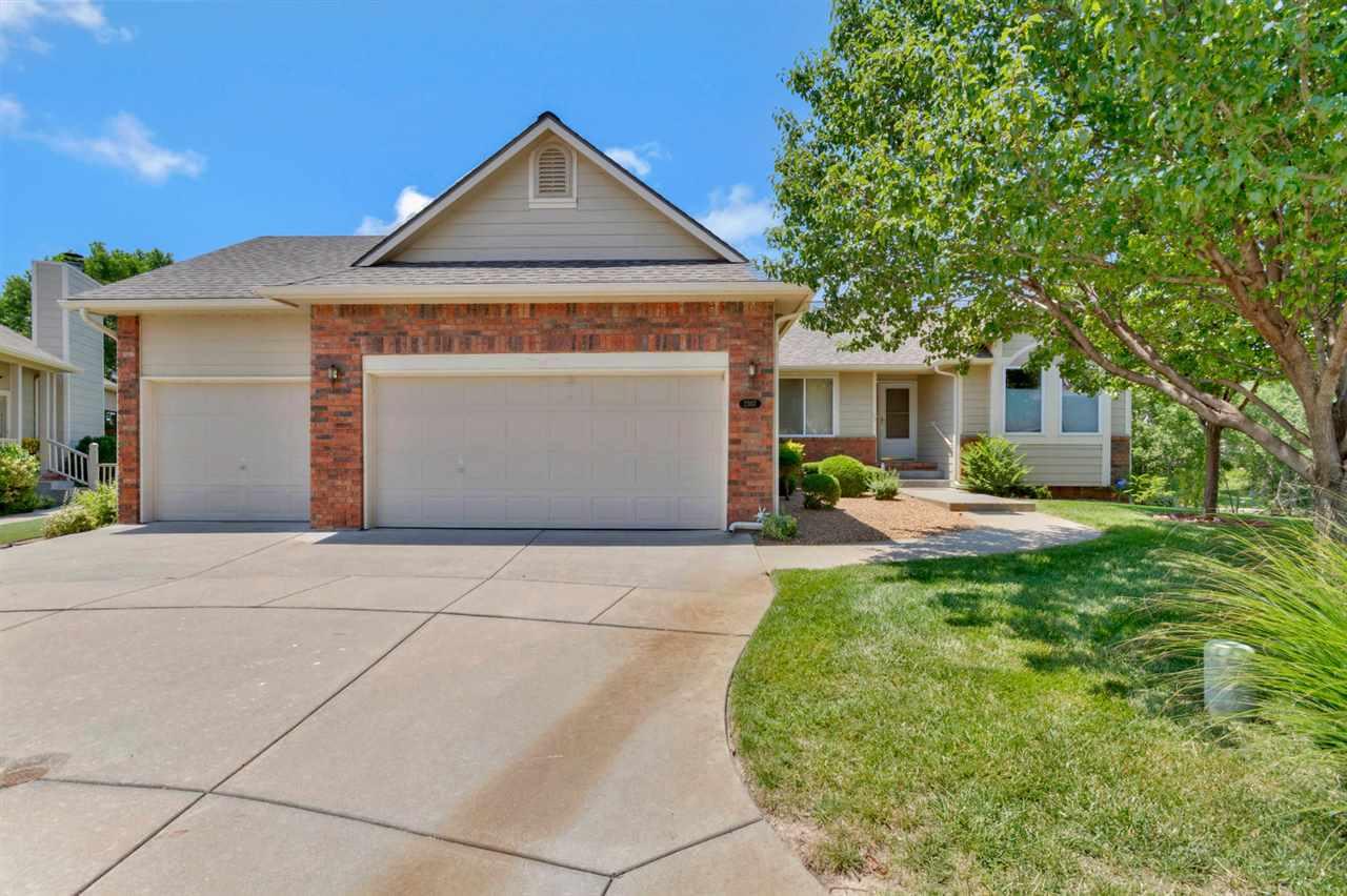 2307 N Lakeway Ct, Wichita, KS 67205
